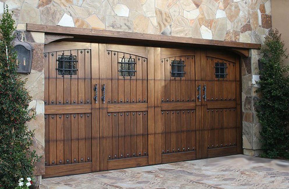 entreprise artisan menuisier Fabrication pose garage portes de garage savoie chautagne bugey haute savoie annecy genève Aix les Bains